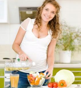 Какое должно быть питание при беременности по триместрам